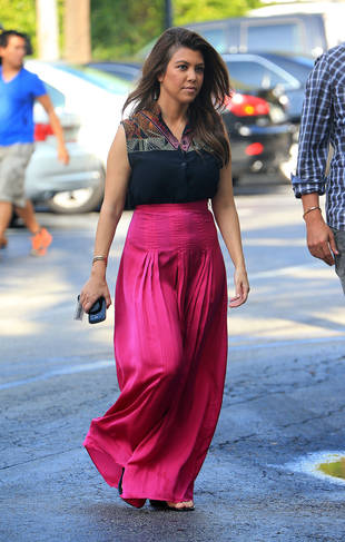Kourtney Kardashian's Wacky Fuchsia Outfit: Hot or Not? (PHOTO)