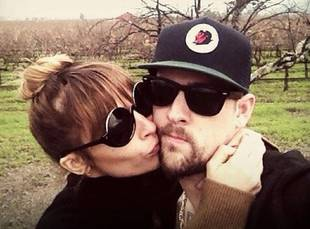 Nicole Richie and Joel Madden Celebrate Their Two-Year Anniversary By Doing This Sexy Activity! (PHOTO)