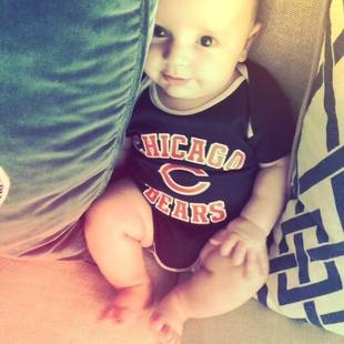 Who Are the Celeb Parents of This Sweet Little Bears Fan? (PHOTO)