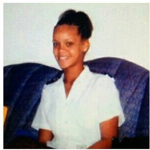 What Did Rihanna Look Like at Age 15? (PHOTO)