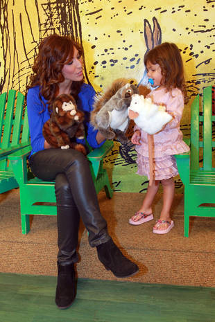 Inside Farrah Abraham's New Children's Book, Passy Perfume — Exclusive Details! (PHOTO)