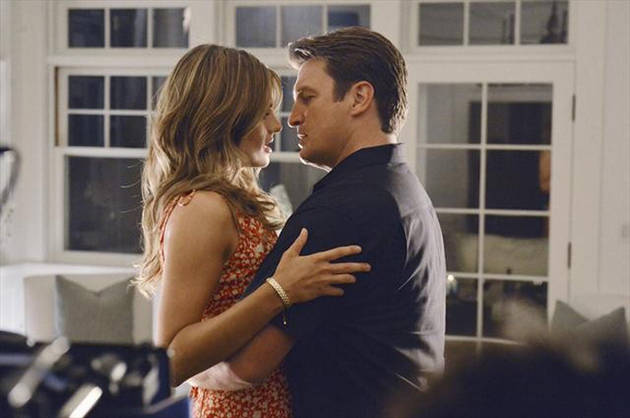 """Castle and Beckett Will Celebrate Their First Valentine's Day With a Gift """"Competition"""""""
