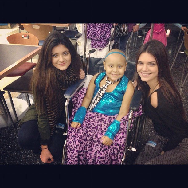 Kendall and Kylie Jenner Visit Patients at Children's Hospital: Cute Pic of the Day