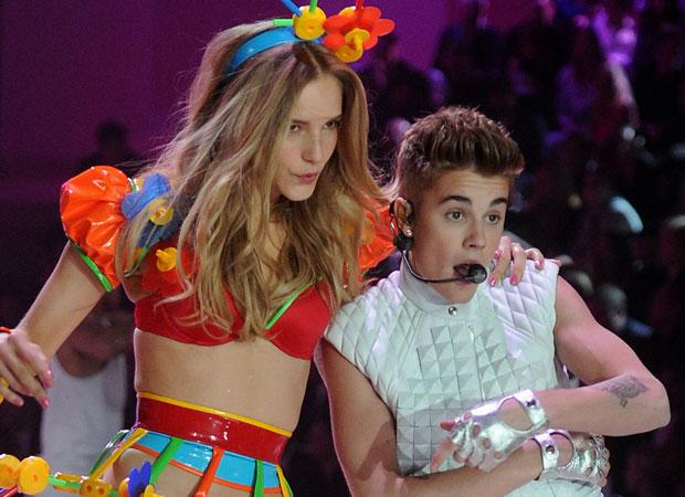 Justin Bieber, Rihanna, and Bruno Mars: Victoria's Secret Fashion Show 2012 Performance Preview (VIDEO)