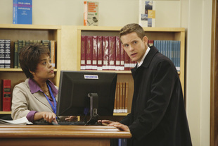 """Pretty Little Liars Speculation: Why Detective Wilden Might Be """"A"""""""