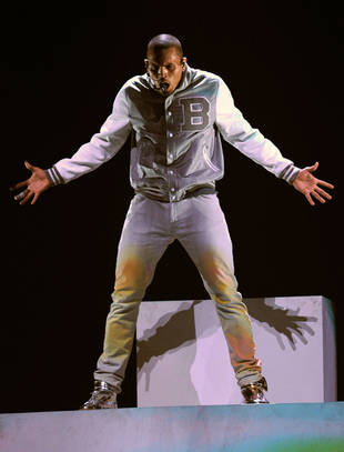 Chris Brown's 2012 Grammy Performance Gets Mixed Reactions From Celebrities via Twitter