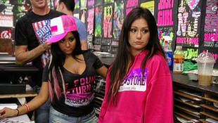 """Jersey City Bars Reject JWOWW & Snooki, Hang """"Anti-Snooki"""" Signs (UPDATE)"""