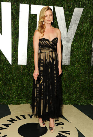 Spotted: Emily VanCamp and Joshua Bowman Holding Hands at 2012 Vanity Fair Oscar Party