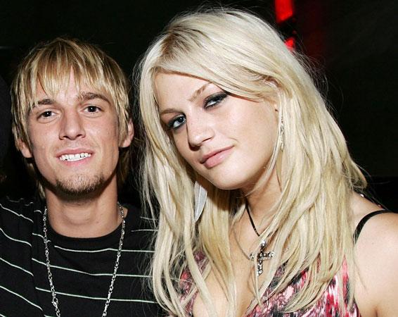 Nick and Aaron Carter's Sister Leslie Dies