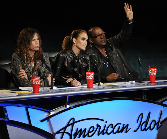 Symone Black Faints and Falls on American Idol: Wetpaint Entertainment's Top 5 TV Clips of the Week, 2/12