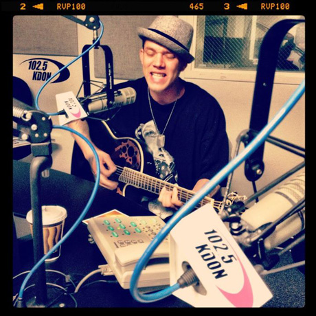 Chris Rene Performing Live On The Radio (PHOTO)