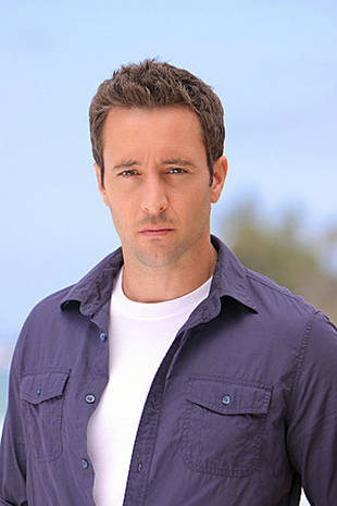 Report: Hawaii Five-0 Hunk Checks in to Rehab