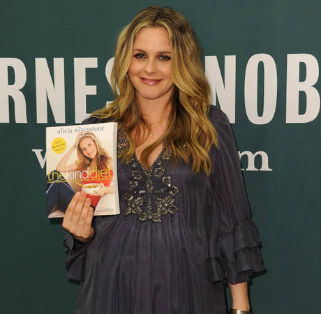 Watch Earth Mother Alicia Silverstone Spit Food Into Her Baby's Mouth (Yeah, Really)