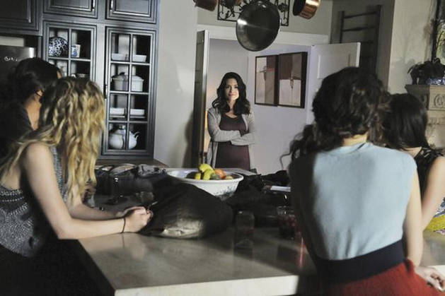 Caption This: What Is Melissa Saying to the Girls in Pretty Little Liars Season 2, Episode 25?