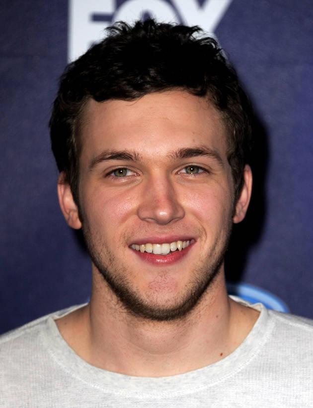 5 Cute Videos of American Idol 2012's Phillip Phillips