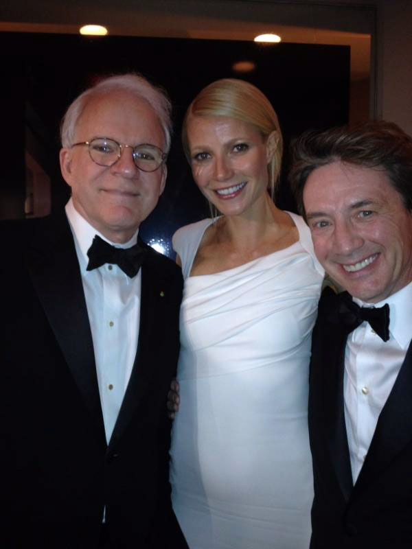 Steve Martin and Gwyneth Paltrow Have Hilarious Opposite Reactions to Same Photo