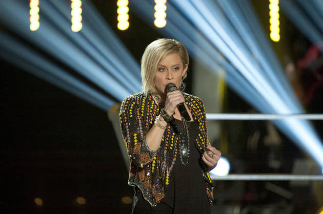 Eliminated Voice Season 2 Contestant Gwen Sebastian to Join Blake Shelton on Tour