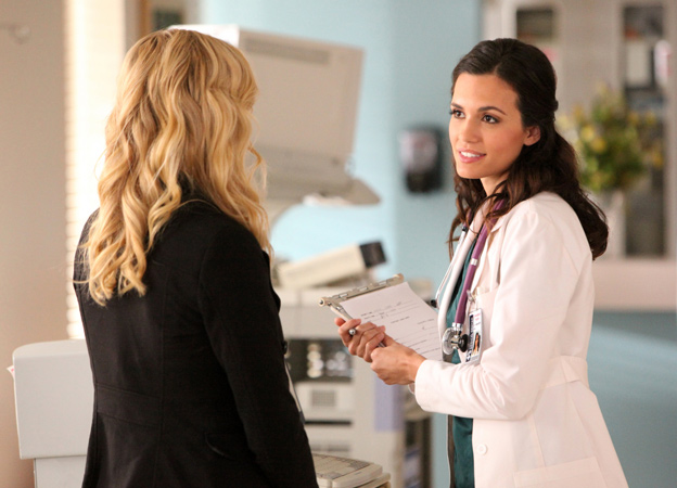 Vampire Diaries Spoilers: What Will Meredith Tell Elena About Alaric's Shooting?