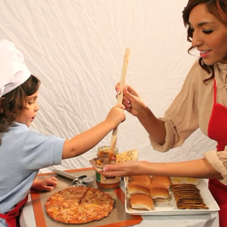 Check Out Teen Mom Farrah Abraham's First Commercial for Mom and Me Premium Italian Hot Pepper Sauce