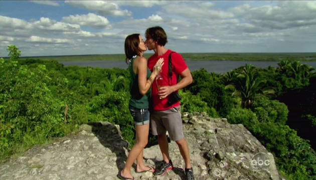 Ben Flajnik Proposes to Courtney Robertson on The Bachelor 16 Finale — Is It The Right Choice?