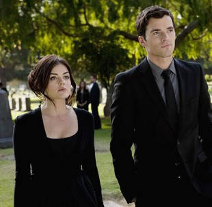 """Lucy Hale: Ezria Is Headed """"in the Right Direction"""""""