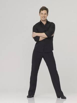 "Tristan MacManus Refuses to Undergo ""Nightmare"" Of DWTS Spray Tans Ever Again"