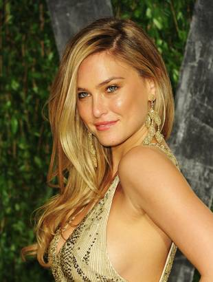 "Bar Refaeli Felt ""Very Uncomfortable"" About Airport Pat Down"