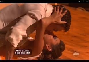 Did Maria Menounos & Derek Hough Kiss on Dancing With the Stars Season 14, Week 3? (VIDEO)