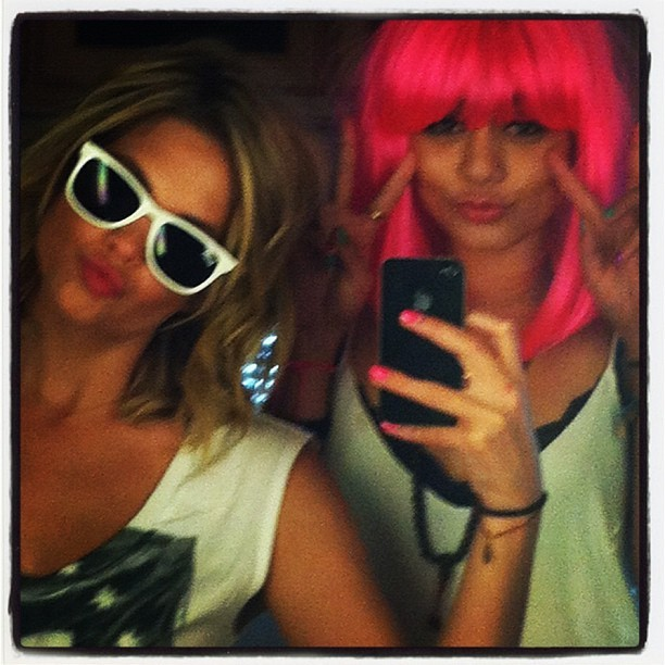 Cute Besties Pic: Ashley Benson and Vanessa Hudgens Wig Out (PHOTO)
