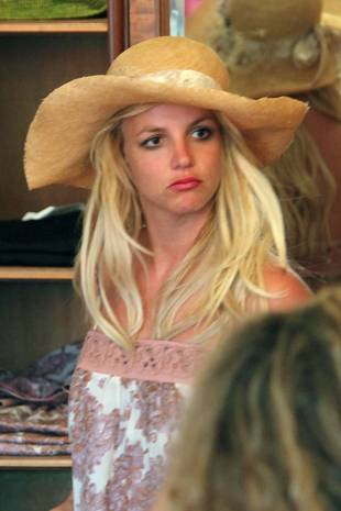 Team Britney Spears to Former Manager: You Owe Us $121,000