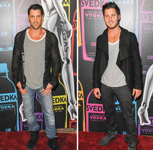 """How To Be Sexy! Maks and Val Chmerkovskiy Give """"Smoldering Hot Chemistry"""" Lessons"""
