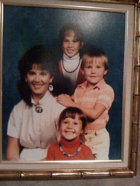 Ashley Hebert Tweets Childhood Photo: OMG Pic of the Day!