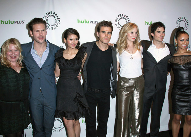 The Vampire Diaries Cast Tweets Reactions to Filming the End of Season 3