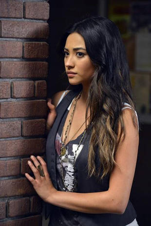 "Pretty Little Liars Season 3 Spoiler: Shay Mitchell Hints at ""Higher 'A' Character"""