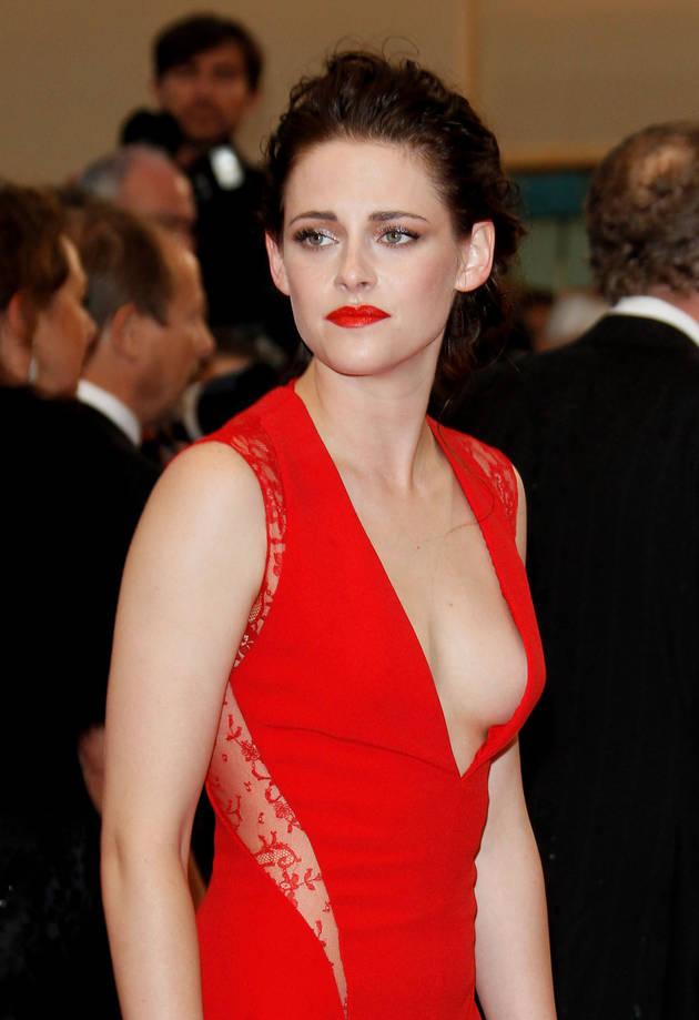 Kristen Stewart Lets It All Hang Out, Narrowly Avoids Wardrobe Malfunction (PHOTO)