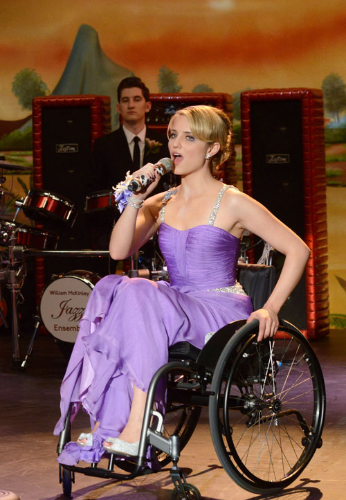 """Glee Promo for Season 3, Episode 19: Our In-depth Analysis of """"Prom-asaurus"""""""