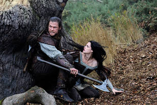 Watch or Skip? Snow White and the Huntsman Brings the Thrills, But the Acting…