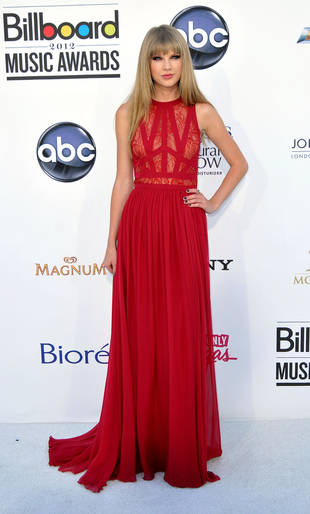 Taylor Swift Stuns at the 2012 Billboard Music Awards in Grown-Up Red Dress (PHOTO)