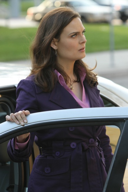 """Bones Recap for the Season 7 Finale, Episode 13, """"The Past in the Present"""": We're Afraid of the Big, Bad Wolf!"""