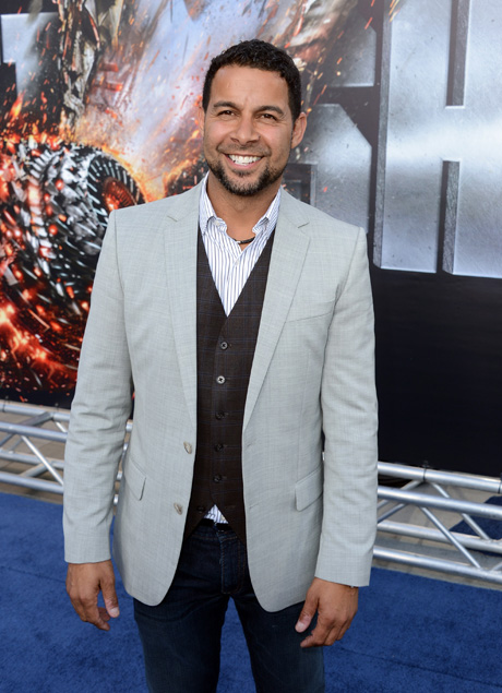 Castle Star Jon Huertas Dishes on Flying With the Blue Angels on Memorial Day Weekend – Exclusive!