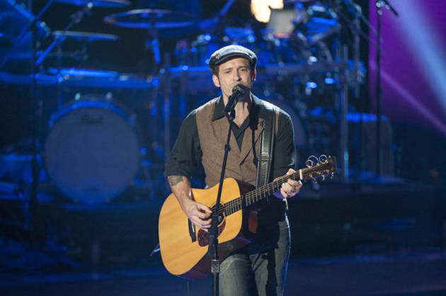 """Watch Tony Lucca and Adam Levine Sing """"Yesterday"""" by The Beatles on The Voice Season 2 Finale, May 7, 2012 (VIDEO)"""