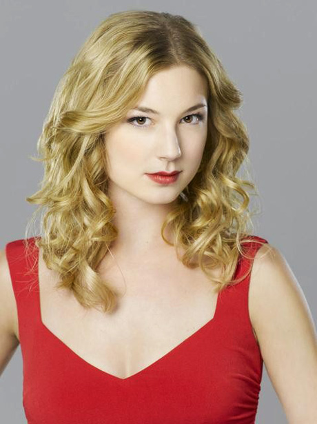 Who Will Emily Reveal Her Identity to Next on Revenge?