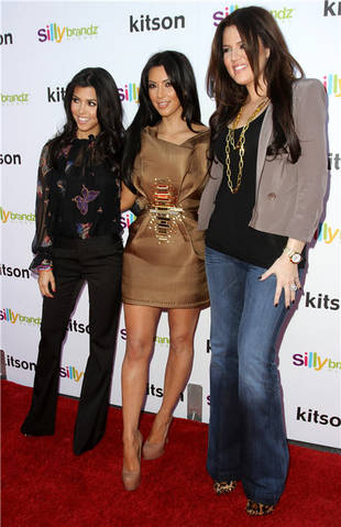Kim Kardashian Overcomes a Wardrobe Malfunction and Kourtney Reveals Why She and Scott Disick Aren't Married (VIDEO)