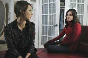 "Pretty Little Liars' Troian Bellisario: The Black Swan Is ""Too Close to Home for Spencer"""