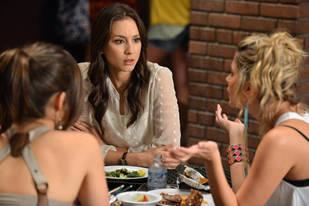 Pretty Little Liars Season 3 Premiere Spoiler: Emily Is Standing Over [Spoiler]'s Empty Grave!