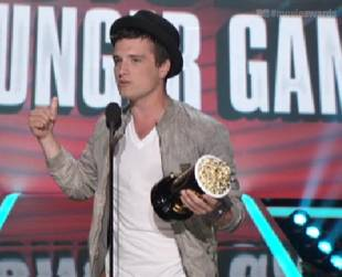 Which Hunger Games Co-Star Would Josh Hutcherson and Elizabeth Banks Save in a Zombie Attack?