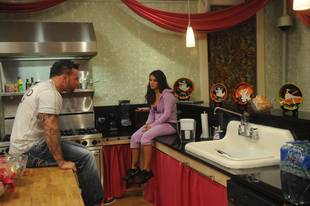 """Snooki & JWOWW Spoiler: JWOWW and Roger Have """"a Lot of Drama"""" (VIDEO)"""