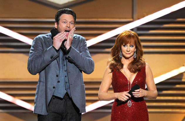 Blake Shelton Tweets Secret Details on Christina Aguilera's Season 3 Contestants
