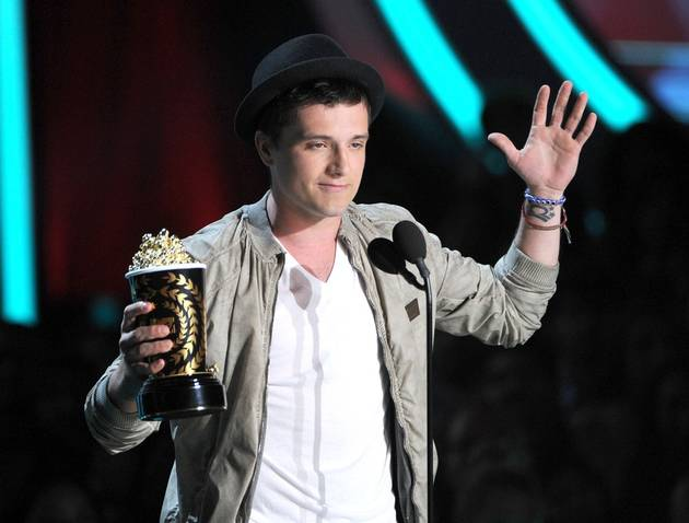 Hunger Games' Josh Hutcherson and Jennifer Lawrence Win Best Male and Female at 2012 MTV Movie Awards