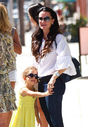 Kyle Richards and Portia Umansky Hold Hands in Beverly Hills — Housewives Cute Pic of the Day!